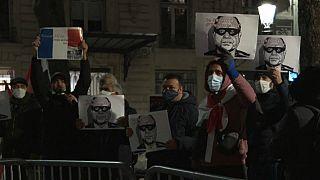 حقوقيون يتظاهرون ضد زيارة الرئيس المصري عبد الفتاح السيسي إلى فرنسا