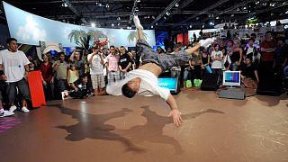 Dünya genelinde birçok ülkede son yıllarda düzenlenen uluslararası break dans turnuvalarının sayısı gittikçe artıyor.