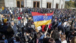 Акция протеста в Ереване против соглашения и прекращении войны в Карабахе 11 ноября 2020