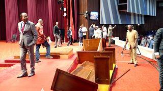 Kongo Demokratik Cumhuriyeti Parlamentosu'nda kavga çıktı