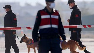 دورية للشرطة التركية في أنقرة خلال محاكمة 475 متهمًا في قضية الانقلاب الفاشل.