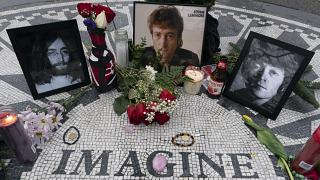 John Lennon homenageado no Central Park de Nova Iorque