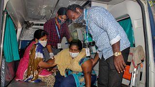 عوارض مرض غريبة تظهر في بلدة بالهند والسبب ما زال مجهولا
