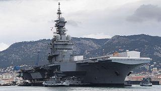"""Archives : le porte-avions français """"Charles-de-Gaulle"""" à son port d'attache Toulon, le 8 février 2017"""