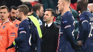L'entraîneur turc Okan Buruk pendant le match PSG-Basaksehir au Parc des Princes à Paris, le 8 décembre 2020
