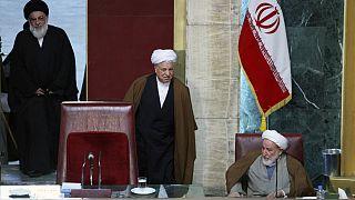 از راست: محمد یزدی، اکبر هاشمی رفسنجانی و محمود هاشمی شاهرودی