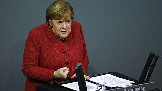 Almanya Başbakanı Angela Merkel, ülkedeki Covid-19 can kayıpları ve vakaların artması sonrası önlemlerin daha sıkılaştırılması gerektiğini söyledi.