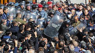 L'opposizione armena protesta contro l'accordo di tregua con Baku - 11.11.2020