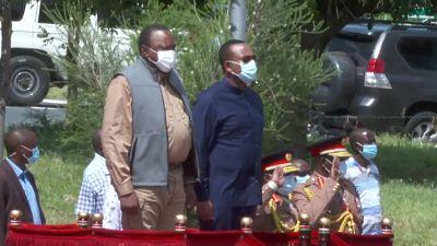 Abiy Ahmed main dans la main avec le Président kenyan