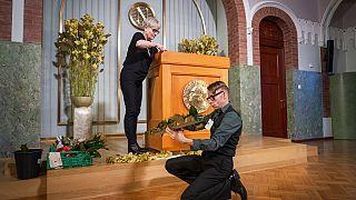Das Rednerpult wird im Nobel-Institut vor der bevorstehenden digitalen Verleihungszeremonie für den Friedensnobelpreis in Oslo, Norwegen, am 10.12.2020, vorbereitet.