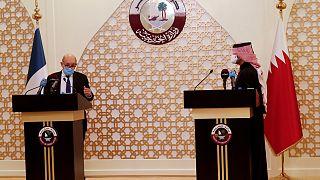 لودريان خلال مؤتمر صحفي مع نظيره القطري محمد بن عبد الرحمن آل ثاني، في العاصمة القطرية الدوحة