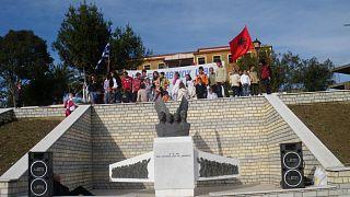 Η πλατεία στο χωριό Αλύκο