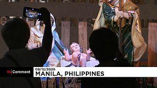 Un parc décoré pour Noël à Manille, aux Philippines, via AFP