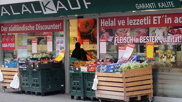 Avrupa'da yaşayan Türkiye kökenlilerin çoğunluğu kendilerini evinde hissediyor