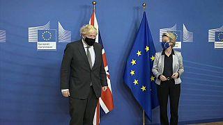 Boris Johnson und Ursula von der Leyen am 9. Dezember in Brüssel