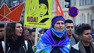 Avusturya başörtüsü yasağı protestosu