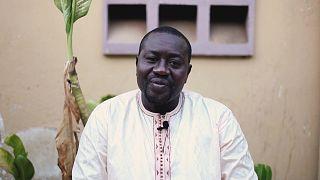 Makhtar Aidar est un Nijaayu Gox ou doula mâle à Pikine Ouest, au Sénégal.