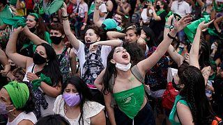 Ativistas pela liberdade de escolha da mulher celebram em Buenos Aires