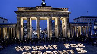 Un grupo de activistas del cambio climático se manifiesta en Berlín