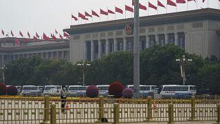 قاعة الشعب الكبرى (الكونغرس) في ساحة تيان آن من (بكين)