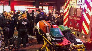 New York'ta yaralananlar hastaneye kaldırıldı