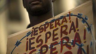 İspanya'da mültecilerin şartları protesto ediliyor
