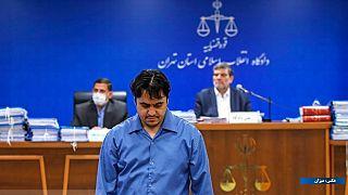 روح الله زم در دادگاه به ریاست قاضی صلوانی