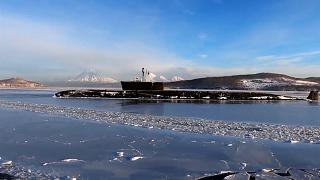 """شاهد: غواصة نووية روسية تطلق أربعة صواريخ بالستية من نوع """"بولافا"""" بنجاح"""