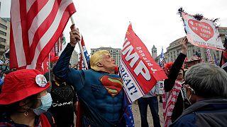 مؤيدون لترامب ينظمون إلى تجمع نظم في ساحة الحرية في واشنطن. 202/12/12