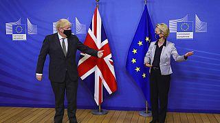 Brexit müzakerelerinin son gününde yeni karar: Görüşmeler devam edecek