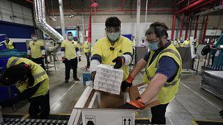 USA: Impfstoffauslieferung läuft an