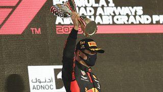 F1: Verstappen nyerte az idei utolsó futamot