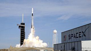 Заправлены в планшеты космические карты (SpaceX покоряет межпланетное пространство)