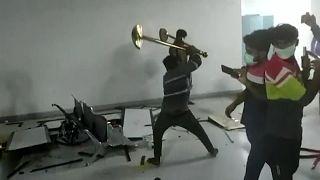 عنف آيفون - الهند