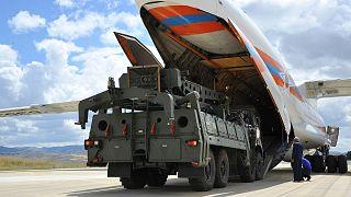 سامانه موشکی اس۴۰۰ روسیه در حال حمل به مقصد ترکیه