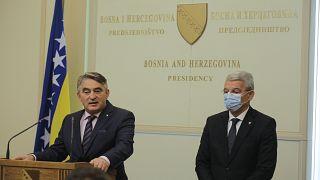 Bosna Hersek Devlet Başkanlığı Konseyi Boşnak üyesi Şefik Caferoviç ile Hırvat üyesi Zeljko Komsic