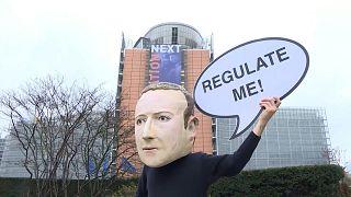 مسودة قواعد مشددة تستهدف شركات تكنولوجيا عملاقة