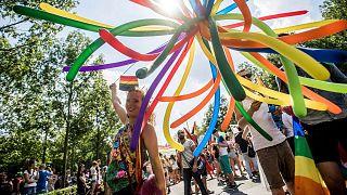 رژه دگرباشان جنسی در مجارستان (عکس آرشیوی است)