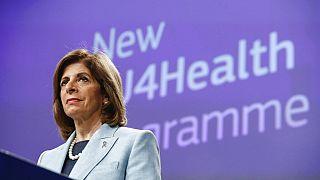 Η Επίτροπος, Στέλλα Κυριακίδου