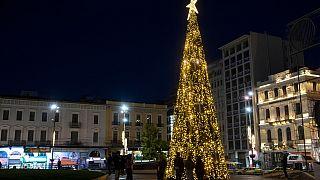 تشدید محدودیتهای کرونایی در آستانه کریسمس و جشنهای سال نو در اروپا