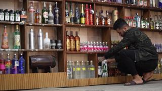 خوف وقلق بعد سلسلة هجمات على محلات المشروبات الكحولية في بغداد