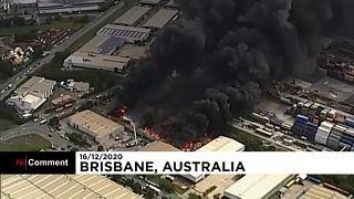 شاهد: حريق هائل في مصنع لإعادة التدوير في أستراليا