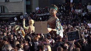 France : face au confinement, le monde de la culture se rebiffe