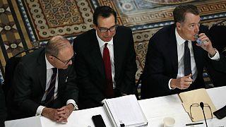 از راست: لری کودلو، مشاور اقتصادی کاخ سفید، استیو منوچین، وزیر خزانهداری و رابرت لایت هایزر، نماینده تجاری ایالات متحده