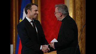 Luigi Ventura con Emmanuel Macron