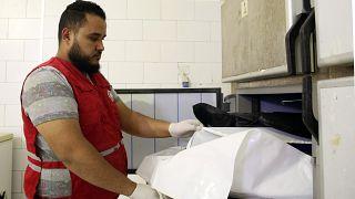 عامل في الهلال الأحمر الليبي