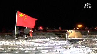 Raumkapsel in mongolischer Steppe gelandet