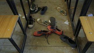 کفشهای برخی از دانشآموزان ربوده شده