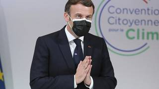 Koronavírus-fertőzött és tünetei is vannak Emmanuel Macron francia elnöknek