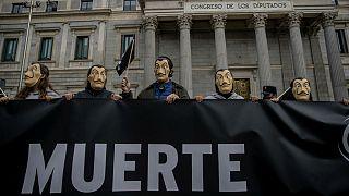 تجمع مخالفان تصویب لایحه اوتانازی(به مرگی) در اسپانیا
